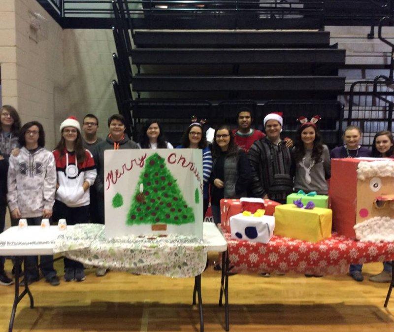 Rockmart High FBLA at Christmas for Kids